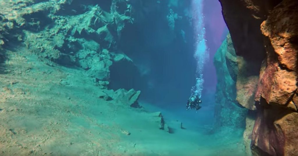 Iceland: Tectonic Plate Liveaboard Dive Trip