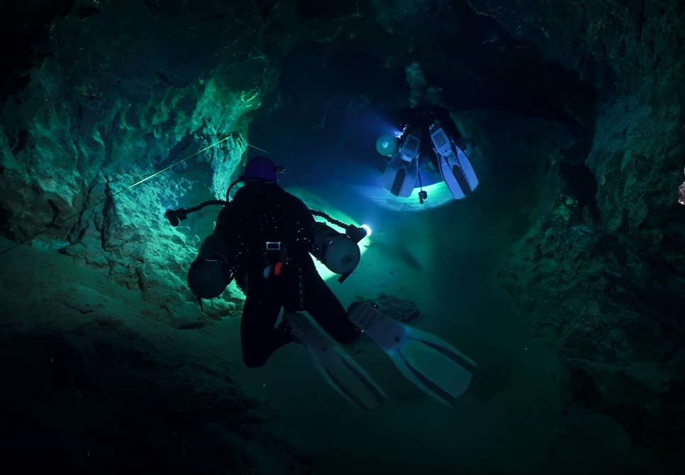 How to be a Cave Diver Certificated Cavern