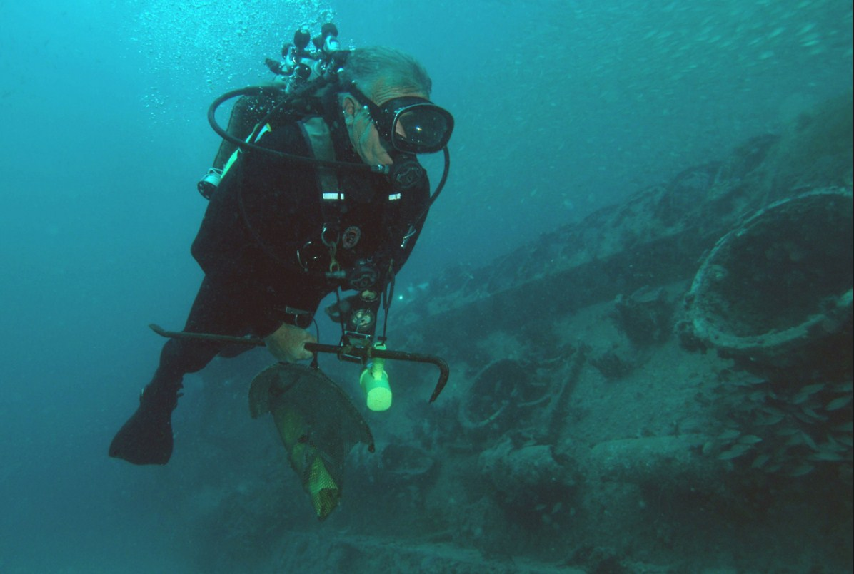 wreck diving in North Carolina