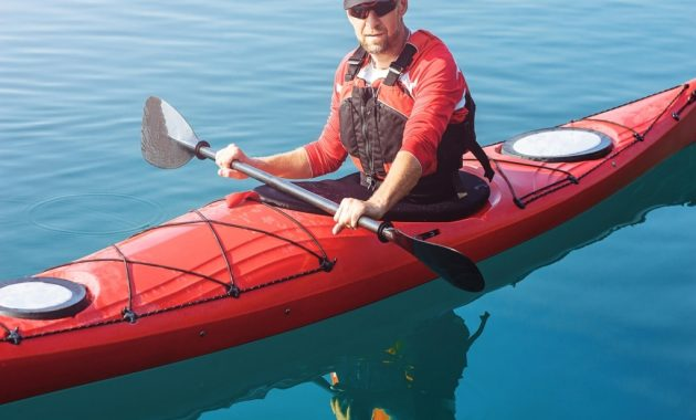 Canoe Vs Kayak - What Are The Differences? Pros, Cons, Speed, Stablility