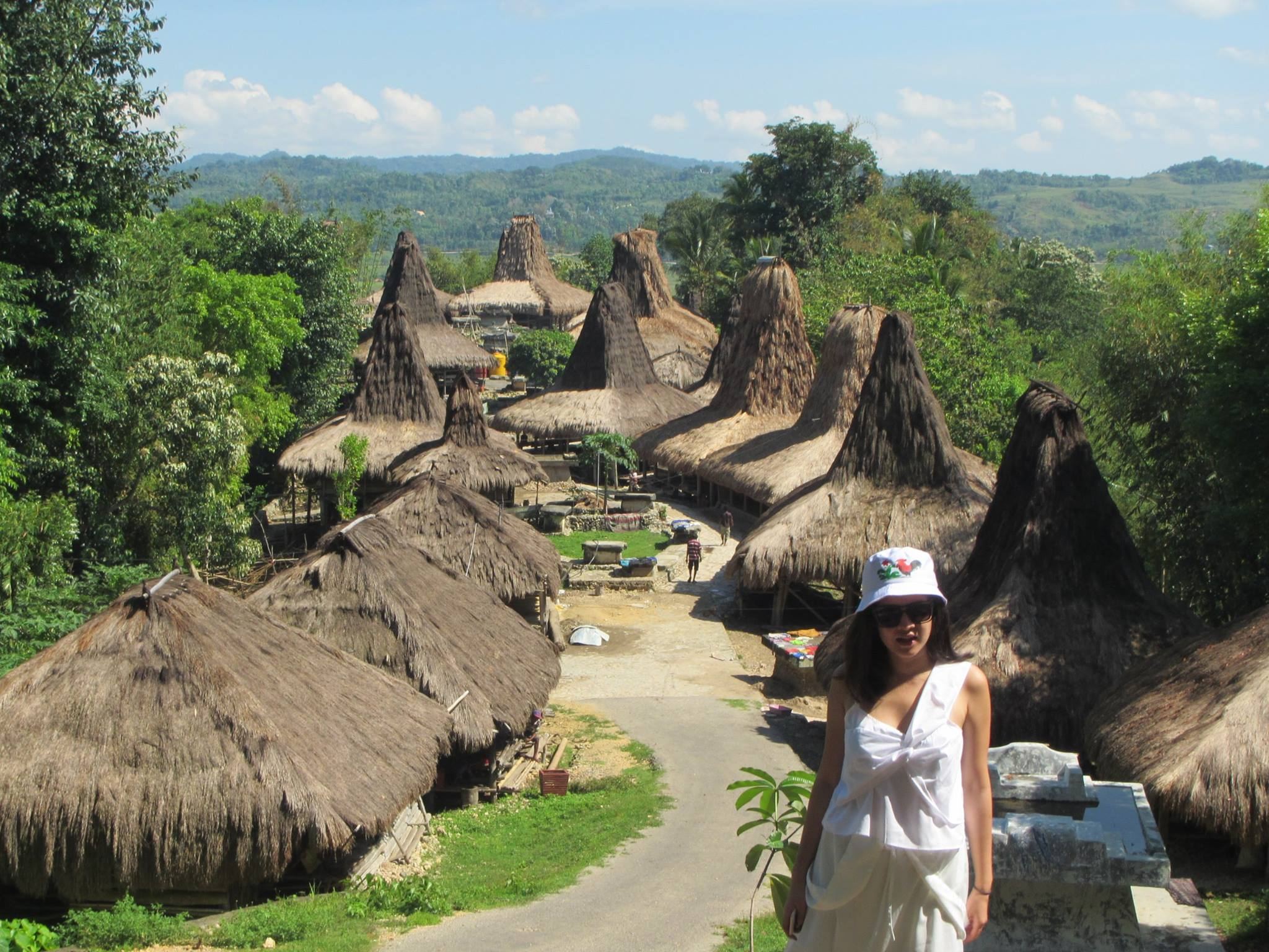 traditional-village-rende-east-sumba-indonesian-islands