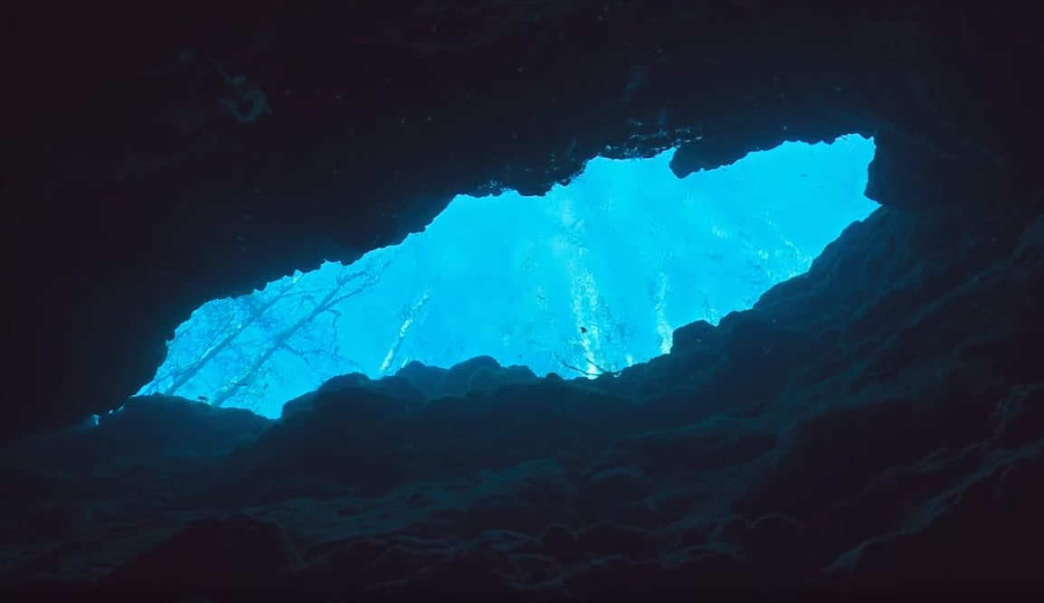 cave diving in florida,florida caves and springs,-min